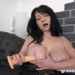 Mature Porn Video – GrandMams – All Alone Playing With Her Pussy Until She Moan (MP4, FullHD, 1920×1080)