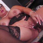 Mature Porn Video – Mature.nl presents Krizzi (53) (MP4, FullHD, 1920×1080)