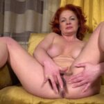 Mature Porn Video – Mature.nl presents Sunny Q (46) – Shaved redhead MILF Sunny Q is getting frisky (MP4, FullHD, 1920×1080)