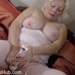Mature Porn Video – Mature.nl presents Cindy S. (EU) (59) in British curvy housewife Cindy fingering herself – 23.01.2018 (MP4, FullHD, 1920×1080)
