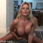 Mature Porn Video – Mature.nl presents Sasha (54) in American housewife Sasha playing with herself – 29.03.2018 (MP4, FullHD, 1920×1080)