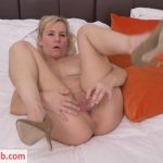 Mature Porn Video – Mature.nl presents Kate Aveiro (EU) (39) in British housewife playing with her toy – 03.09.2018 (MP4, FullHD, 1920×1080)